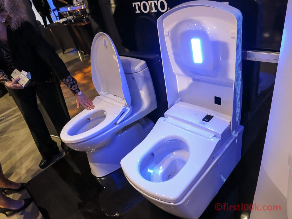 Toto\'s Latest Toilet Cleans Itself - So You Don\'t Have To - First L00k